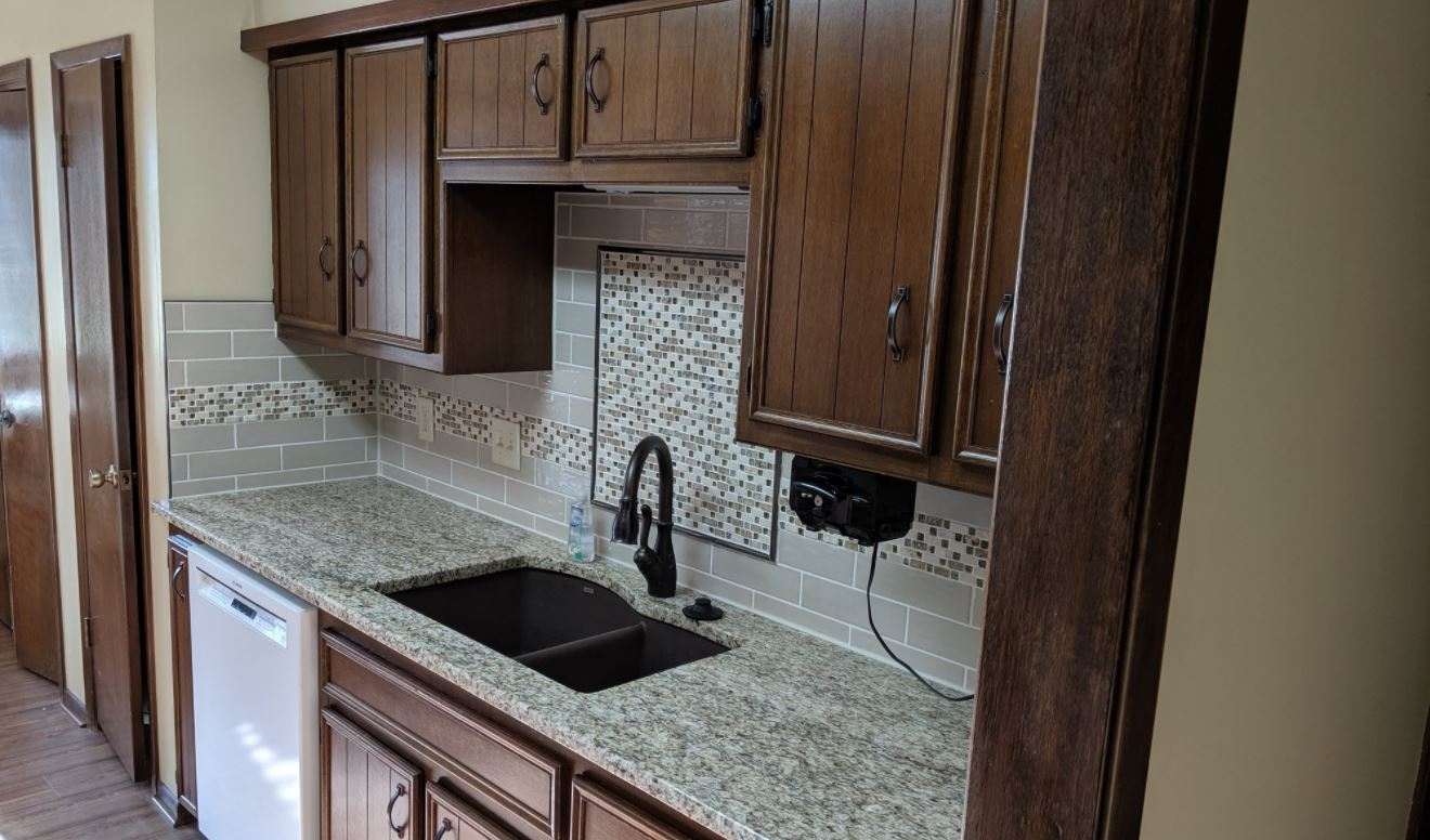 Kitchen sink backsplash